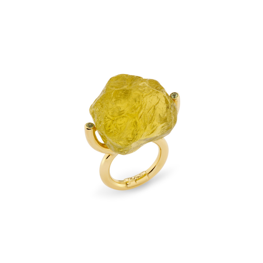 Gold, Peridot & Large Lemon Quartz Ring – Hammered Brilliant Fancy Ring | Yael Sonia