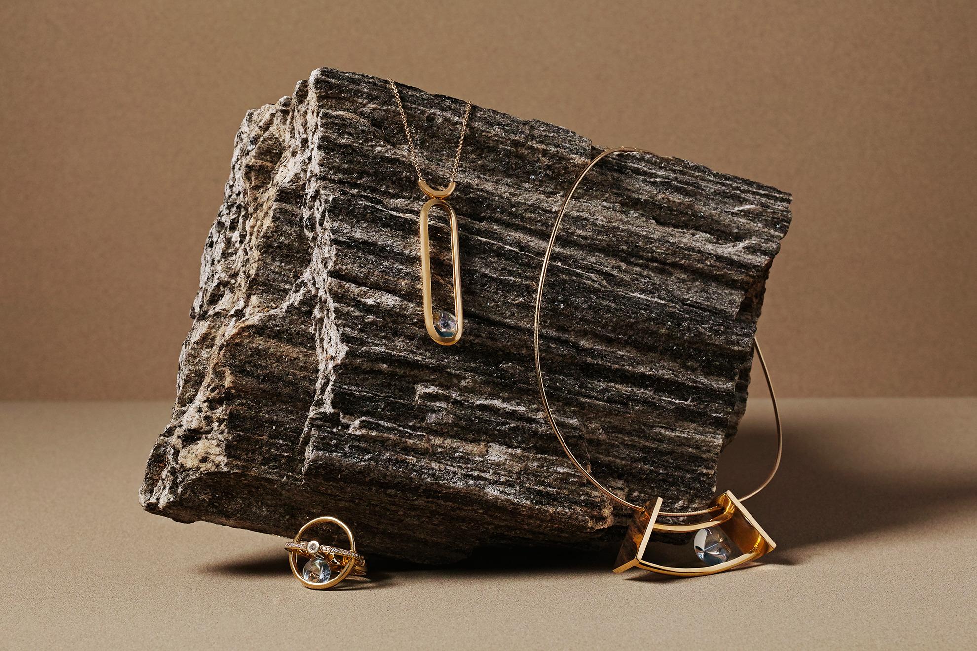 spinning jewelry
