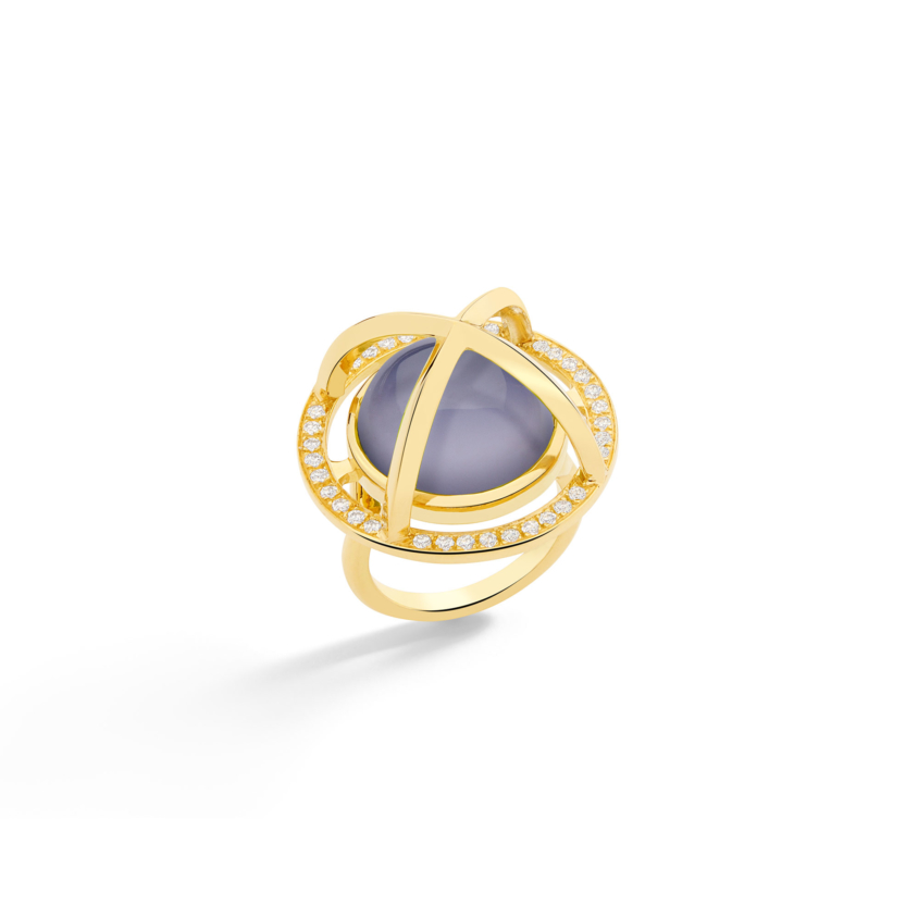 Diamond & Round Chalcedony Cabochon Ring Gold – Meteor Brilliant Large Ring 15mm | Yael Sonia